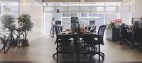 雲發互動科技有限公司 - 開放辦公室,站桌