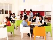 振鋒企業股份有限公司 【茶水間免費供應餅乾及飲料,提供同仁開放的討論空間】