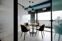 易享科技股份有限公司 【小會議室外就是陽台,明亮舒適】