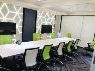 精誠資訊股份有限公司 - 未來感十足的會議空間