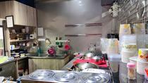 品饌飲食店 【這是我們工作環境一偶 所有的原料食材皆由中央廚房當天製作統一出貨 我們的工作內容簡單明瞭 販賣-維護-清潔】