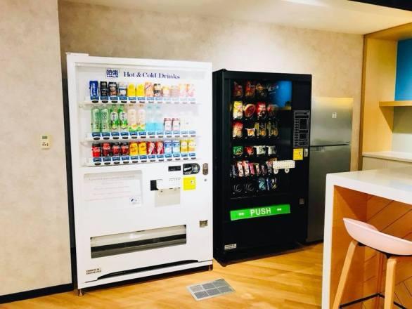 願境網訊股份有限公司_KKBOX 【每個辦公室都有的免費飲料零食機】