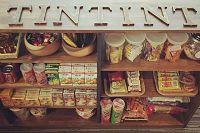點點印_黑米數位股份有限公司 【不想讓大家工作時餓肚子,所以零食櫃有滿滿的零食和飲料】