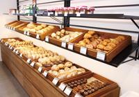 華漾實業有限公司 【珠寶盒麗水店: 每日新鮮出爐歐式麵包,法式蛋糕。是純然無添加的美味,也是許多小孩、家庭從小吃到大的健康首選。】