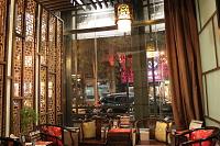 御仙堂企業管理社 【多樣藝術展示的巧妙融和,讓中國古典文化的深沉內涵在御手國醫會館中相映輝映出獨特的美學光采】