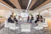 新加坡商鈦坦科技股份有限公司台灣分公司 【明亮寬廣、綠意盎然的公共空間,隨時可和夥伴們來場分享會議】