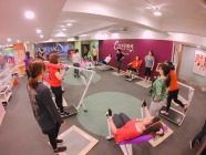 curves女性專用30分鐘健身中心_完美曲線股份有限公司 環境照