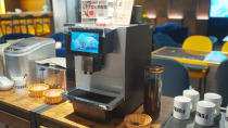 FUNDAY_智擎數位科技股份有限公司 【免費咖啡~溫暖黃光.處處瀰漫咖啡香!】