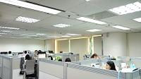 信諾科技有限公司 【寬敞的個人工作空間及完善的電腦資訊設備】