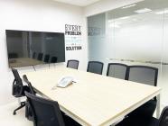 逗寶國際有限公司 【想討論秘密任務的話,可以選擇有貼霧面膜擋住的會議室。】