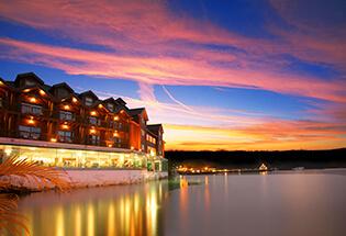力麗觀光開發股份有限公司(力麗店5364) 【位於日月潭湖畔的美麗景緻,零距離的湖水一年四季展現不同的動人風情。】
