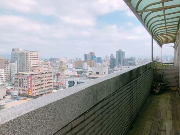 聯成數網股份有限公司 【公司陽台的室外風景,隨時給自己小憩的空間。】