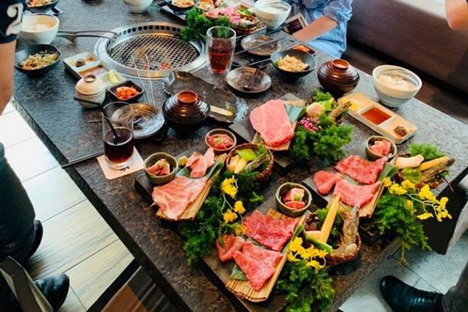 旭亞系統設計股份有限公司 【聚餐是龍蝦和牛等高級食材】