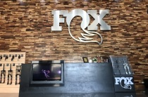 FOX Factory_瑞士商弗克司股份有限公司台灣分公司 【We display our products besides our front desk in lobby! You're welcome to take a look at them!】