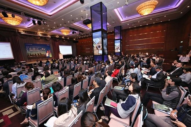 香港商佛萊信電腦軟體有限公司台灣分公司 【2018/03 D Forum巨量資料論壇│當AI遇上BI,數據時代的企業決策大躍進】