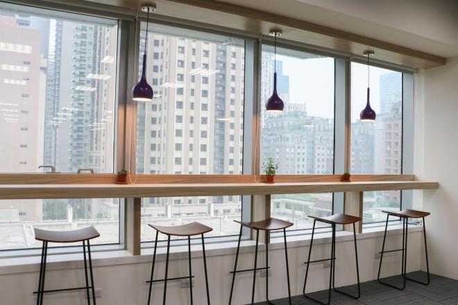 微程式資訊股份有限公司 【[ 舒適環境 ] 喝杯咖啡看看風景,享受和在咖啡廳工作一樣的氣氛!】