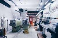 At the Venue inc._光暉服飾有限公司 【公司設立樣本組,購買最新的電腦機,可製作各式花樣的針織產品,並且生產大貨!】